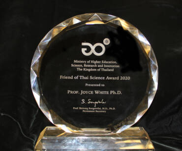 Joyce White Is Given Friend of Thai Science Award